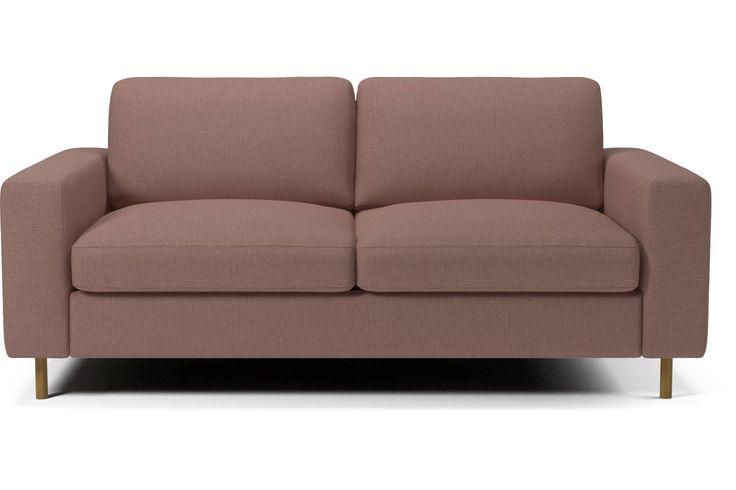 Scandinavia soffserie ger dig friheten att skräddarsy din soffa så att den passar just dig och dina behov. Den finns i en rad olika modeller – från bäddsoffor till puffar med förvaringsutrymme till stora hörnsoffor – och den kan kläs i hundratals olika material och färger. Fyllningen i säte och kuddar kan anpassas efter den bekvämlighet du vill ha. Till och med benen kan anpassas. Välj sedan modell, bekvämlighet, utseende och ben. När du väl har gjort det ser vi till att den håller i många…