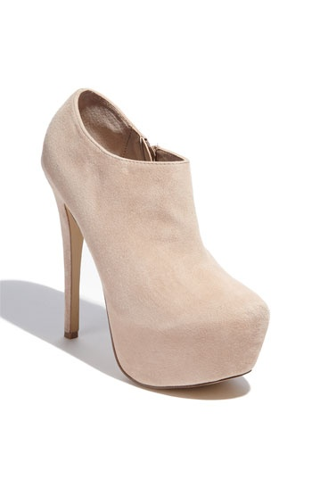 Vippper Bootie also in black. i think this is perfectt for spring and summer to dress up or down. kind of in love
