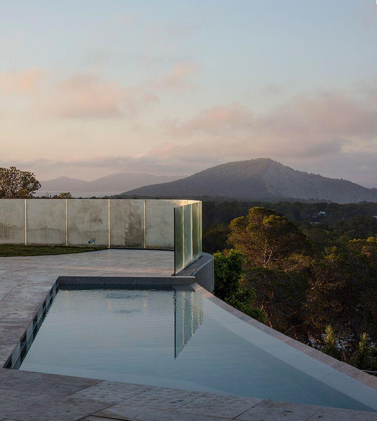 Incredible Futuristic Villa Mediterraneo in Ibiza – Fubiz Media