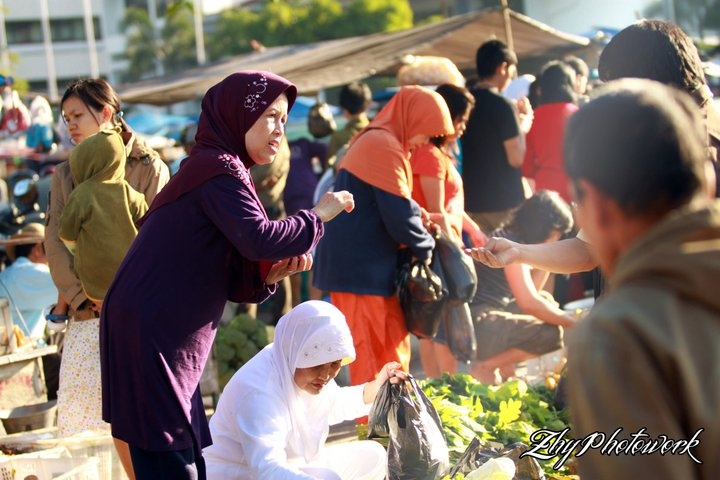 Gasibu traditional market - Bandung - Indonesia http://www.facebook.com/photo.php?fbid=1929359592983=a.1170297416903.2026497.1212013973=3