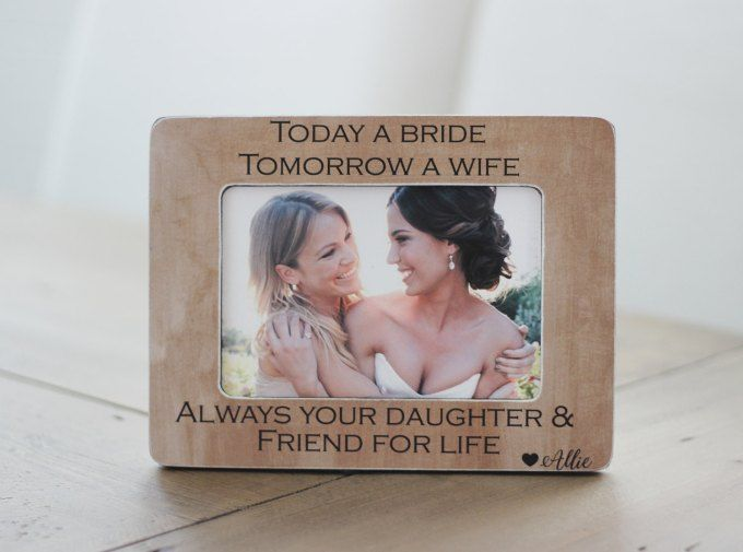 15 Perfect Gifts for the Mother of the Bride | mother of the bride gifts, mother of the bride gift ideas, mother daughter gifts