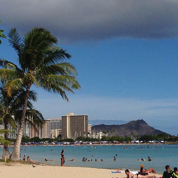 Ala Moana Park is located between Waikiki and downtown Honolulu. The golden sand beach is over half a mile long. Great for sunbathing, walking and catching a breathtaking sunset.
