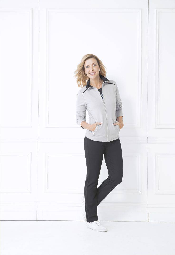 The Dalenna Jacket will fast become your go-to, with its versatile minimalist design. The contrasting collar detailing makes for the perfect finishing touch. Pair with the Celena Legging for the ultimate activewear look.  Zip fastening Two side pockets Contrasting collar detail