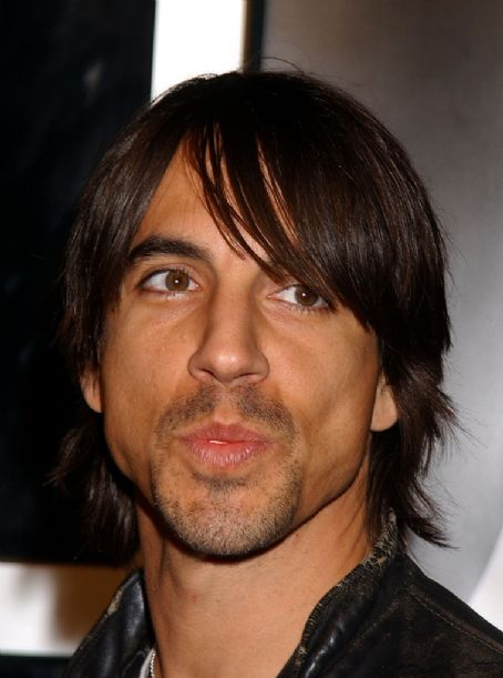 anthony kiedis is a jackass. Completely ignored me on Venice beach - he was an idol before that. Screw you buddy!