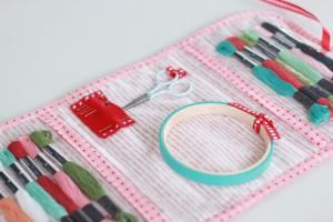 15 DIYs to Protect and Organize Your Stitching Projects: Stitch Lovely Things Organizer Bag