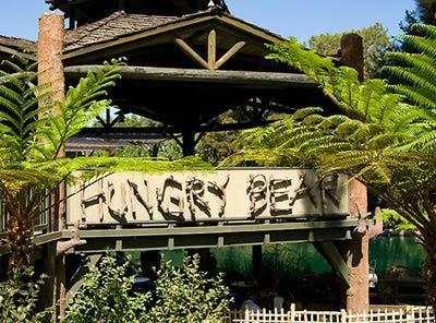 http://themeparks.about.com/od/disneyland/ss/Disneyland-Best-Quick-Service-Restaurants_2.htm