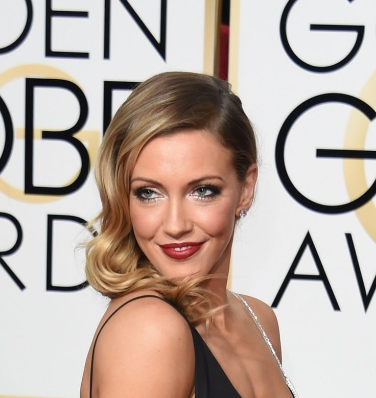 Katie Cassidy Height and Weight Stats