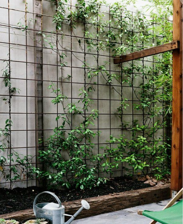18 Inexpensive Use For Cattle Pen Panels | Here's 18 creative, frugal, and practical ways to use cattle pen panels in your garden and around your property.