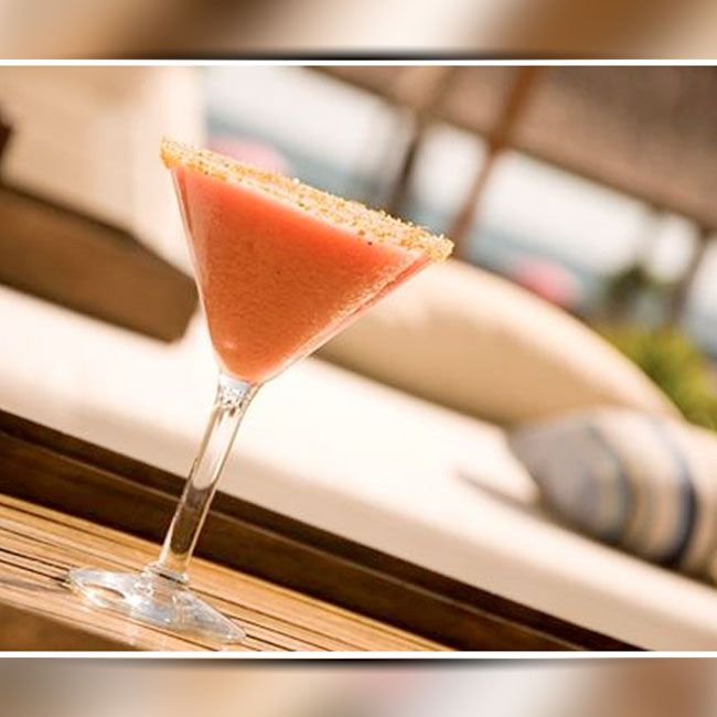 Its nearly happy hour time.. the happiest part of the day. See you for a dip and 2 for 1 cocktails from 4pm to 7pm