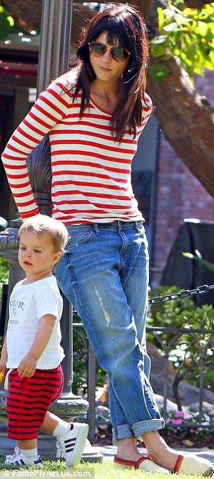 Selma Blair.. cute day @ the park attire - though prefer vertical stripes - but horizontal stripes always look better on top.. also nice sharp and layered hair style/cut!
