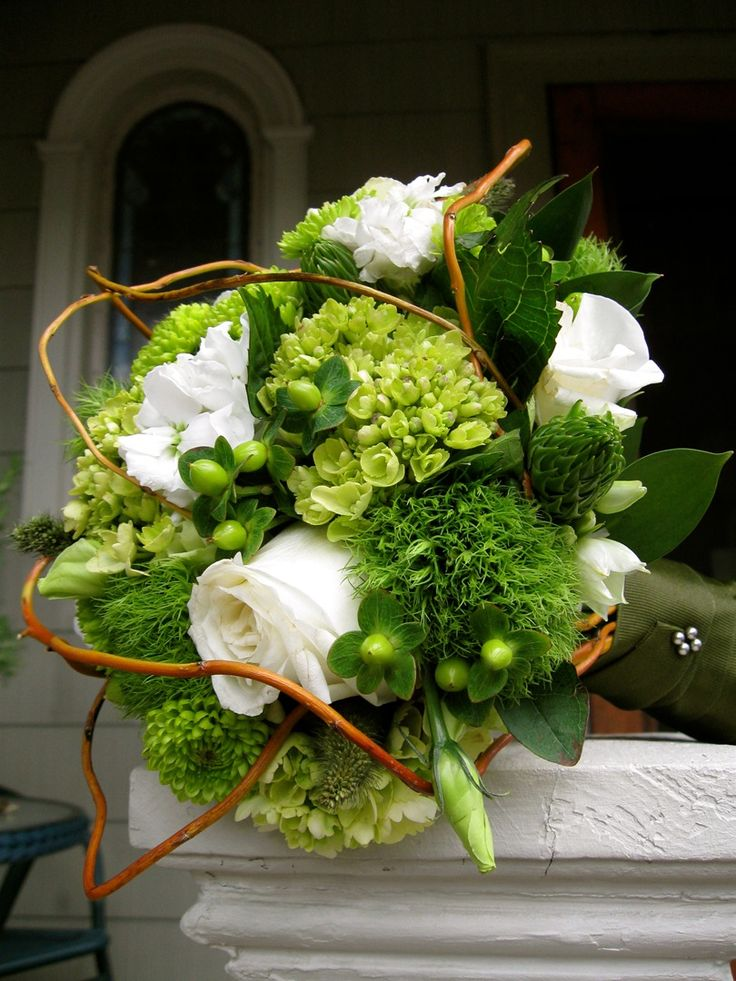 Green trick, mini green hydrangeas, green hypericum, white ...