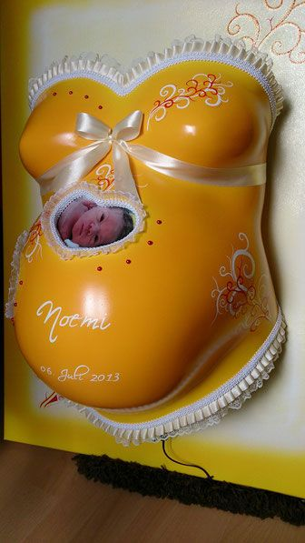 Blog - BabyBellyDesign   Der Gipsabdruck vom Babybauch   Babybauch-Gipsabdruck   Oberflächenglättung, Gestaltung & Bemalung Gipsabdruck-Babybauch