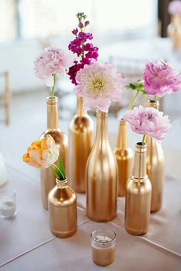 Selecionamos 5 inspirações Do It Yourself de decoração com spray dourado para a festa de 15 anos. Ideias fáceis de fazer e super charmosas!