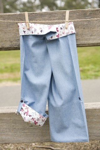 SALE $19.98 - Girl's Wrap Pants (Pets and Petals) 100% cotton UPF 20. These are our take on the Thai fishing pant. They are lightweight and super comfy. These pants are fastened with adjustable velcro, so they're easy to do up, even for those still in nappies or toilet training. The bottom of the legs can be rolled up and buttoned so they can also be worn as a ¾ pant. They are 100% Australian made and designed with sun protection in mind.  www.shadydays.com.au