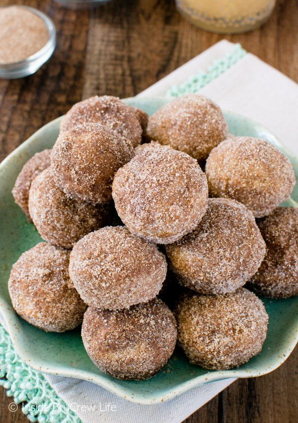 A buttery cinnamon sugar coating makes these Cinnamon Sugar Apple Donut Holes a delicious treat for breakfast or after school. Awesome fall recipe!