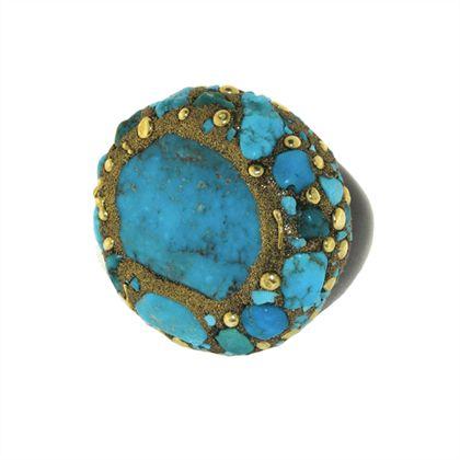 Anello tondo con turchese, corno nero, bronzo e ottone