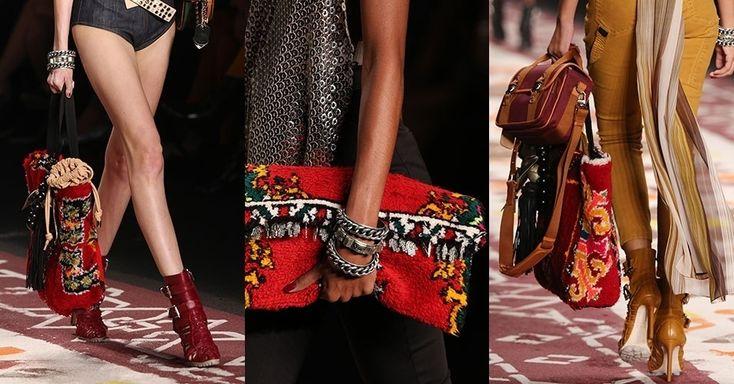 As bolsas peludas foram destaque da coleção Verão 2016 da Ellus. Confeccionadas a partir de tapetes marroquinos, elas foram encomendadas a artesãos locais pelos estilistas Adriana Bozon e Rodolfo Souza