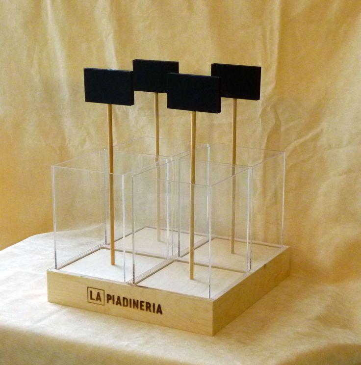Espositore da banco per caramelle realizzato in legno e plexiglass