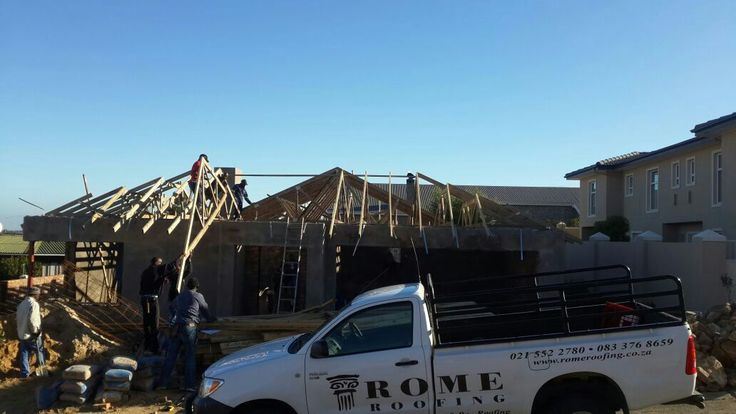 Fitting trusses in Haageland, Somerset West.