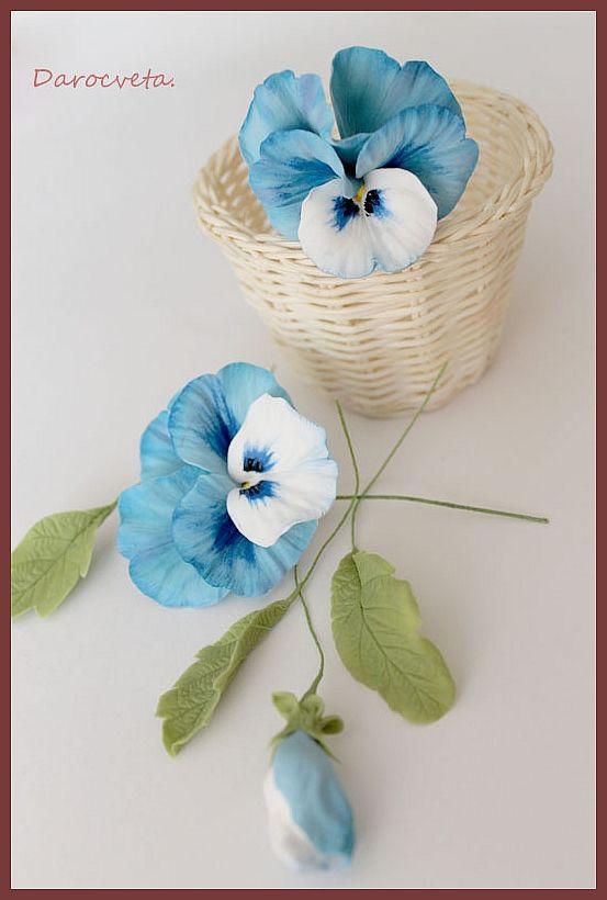 Цветы ещё не собраны, но уже получается что-то интересное ) Материал: Деко и холодный фарфор.