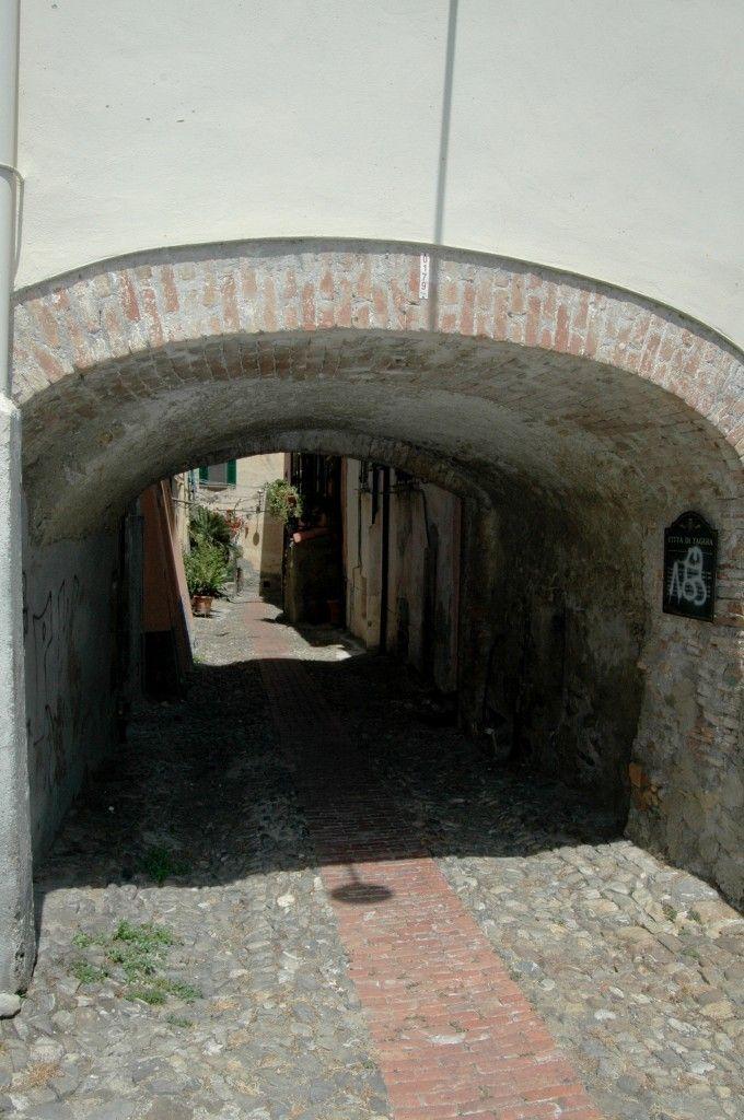 Taggia (IM)  Porta del Ciazzo