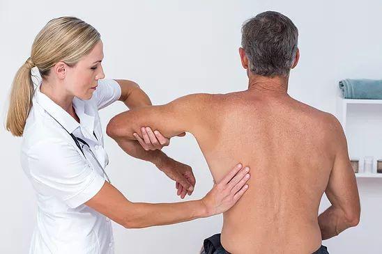 Les blessures aux tendons de l'épaule sont fréquentes, que ce soit chez les personnes actives ou sédentaires, et un certain nombre d'entre elles finissent par