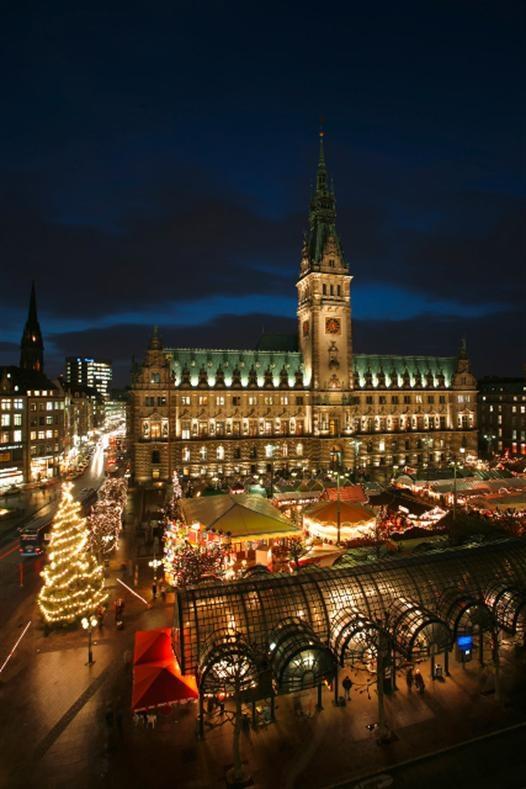 #Weihnachten #Rathausmarkt #Hamburg