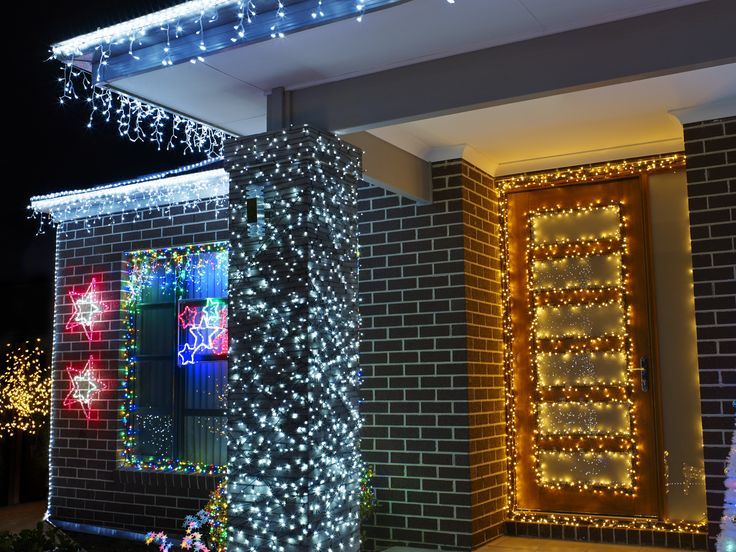 Don't forget about decorating your front porch! #festivelights #fairylights