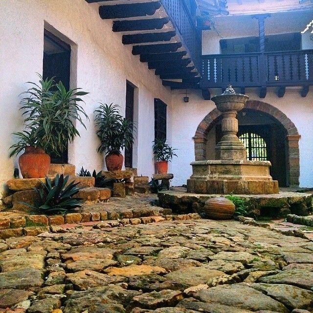 Bella casona colonial   Socorro, Santander  regram @enmicolombiaCasa de la cultura de