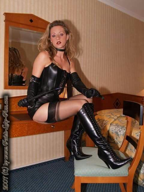 frauen in overknees xxx