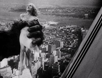 "nitratediva:  "" Fay Wray wriggles above New York City in King Kong (1933).  """