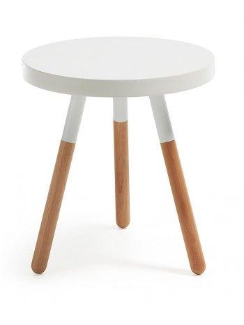 Il tavolino trasmette sentimenti di ottimismo e di energia. La sua messa in scena è molto interessante perché la semplicità della sua struttura nasconde i suoi piedi pieni di buon umore, che ci trasmettono il movimento sensatoriale e di dinamismo.