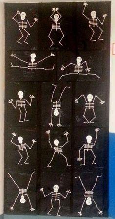 Skeletten, handvaardigheid (+schrijf de namen bij de botten)
