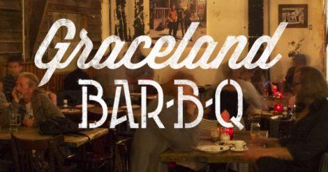 GARNALEN BAR-B-Q   Nét open, dit restaurant met roadhouse honky-tonk sfeer. Maisbrood, coleslaw, ribs en cocktails met Jack Daniels staan er op het menu. De inrichting sluit aan op de kaart: veel hout, een flipperkast in de hoek en Amerikaanse booths om in te zitten. Met countrymuziek op de achtergrond is het plaatje compleet. Graceland Bar-B-Q zit naast de Marktkantine, een evenementenlocatie die bijna zijn deuren opent   via @elleeten