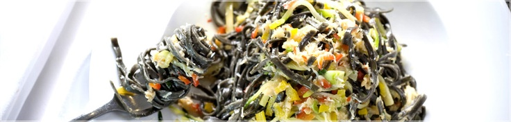 Tagliolini Nero Granchio (Sicilia) -   Black cuttlefish ink pasta with crab, courgette, red and yellow peppers, spring onion, a hint of chilli and parsley. £11.75 at Strada. How can you resist?!: Tagliolini Nero, Granchio Sicilia, Black Cuttlefish, Spring Onions, Ink Pasta, Cuttlefish Ink, Yellow Peppers, Nero Granchio, Delicious Food