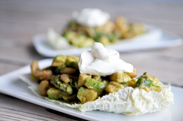 Dit salade recept is een van onze favorieten, salade met garnalen en avocado is namelijk super lekker en heel erg gezond.