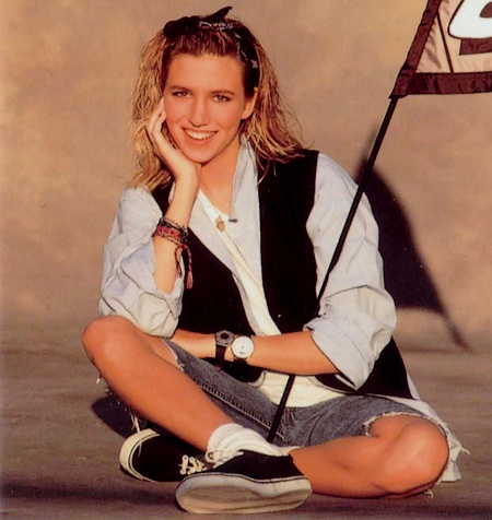 Debbie Gibson. Gorgeous pin up.