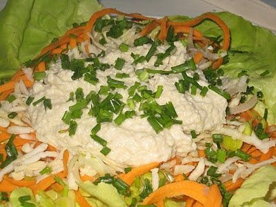 Rețetă 5 în 1 - maioneză sos de paste sos de salată pastă sau icre - toate vegane     O rețetă unică din care modificând numai cantitățile diferitelor ingrediente puteți face ori maioneză ori sos pentru spaghetti ori pastă de uns pe pâine ori sos de salată ori icre vegane și cine știe poate mai descoperiți și voi și alte întrebuințări mă bucur deja de sugestiile voastre.   Rețeta conține numai foarte puține ingrediente toate din România (deci se poate controla foarte bine dacă sunt ecologice…