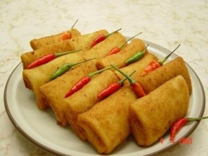 Risoles, my grandma used to make hundreds. Gosh, I love these - Enak!
