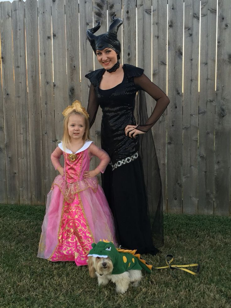 Disney's Sleeping Beauty Aurora and Maleficent with Dragon Halloween costumes. DIY costume  Mother and daughter Halloween costume. Maleficent and Aurora, sleeping beauty. Princess Aurora. Disney costumes. Pet costume. Theme Halloween. Couple costume. Family costume. Toddler child girl boy costume
