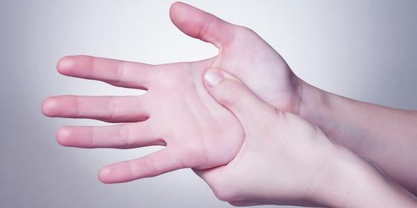 Il Jean Shin Jyutsu è un'antica tecnica giapponese che permette di donare energia al nostro corpo grazie all'utilizzo delle dita e alla loro pressione. Si tratta di uno strumento potente per aumentare la consapevolezza del corpo e può rappresentare, secondo la tradizione giapponese, una tecnica di auto guarigione.