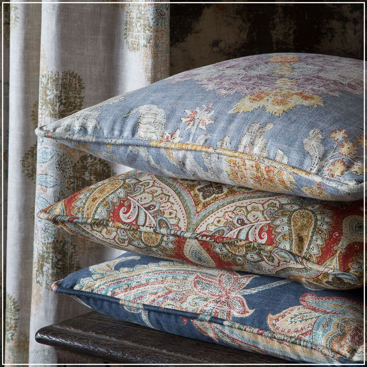 Villeneuve (guell-lamadrid.com) #collection2017 #vintage #retro #flower #cotton #linen #home #homedesign #homedecor #decor #decoration #homesweethome #interior #interiordesign #textiles #textildesign #textilefever #fabric #pattern #texture