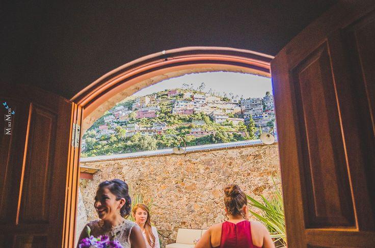 Mike Moss fotógrafo de bodas en todo México, Rivera Maya, Queretaro, Pachuca, Puebla, Quintana Roo y más. Mejores recuerdos de bodas. #Wedding #Weddings #novia #3mujeres #weddingplanner #Pachuca #Hidalgo #Boda #Bodas #MikeMoss
