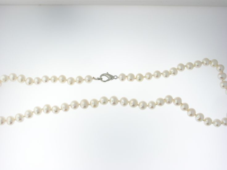 """18"""" freshwater culture pearl necklace. Asking $20.00"""