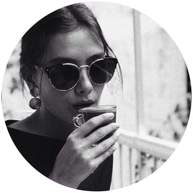 رمزيات شباب رمزيات رمزيات رمادي رمزيات رماديه رمزيات بنات افتار افتارات ابيض اسود صور افتار افتا Sunglasses Eye Sunglasses Queen Aesthetic
