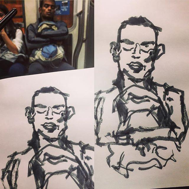 #gentequesedibujaeneltren #sketch #sketching #sketchbook #boceto #bocetorapido #dibujo #dibujar #drawing #dibujarte #ink #pentelbrush #drawingonthetrain