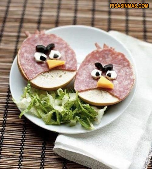Bocadillo Angry Birds  http://bit.ly/L53c5B: Idea, Fun Food, Birds Sandwiches, Kids Lunches, Angry Birds Food, For Kids, Lunches Boxes, Schools Snacks, Angrybirds