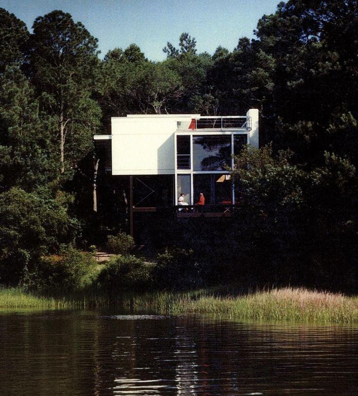 Wainwright Beach House by Frank Harmon,1989