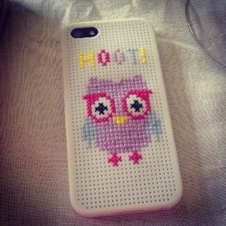 Cross-Stitched iPhone 5 cover from Typo!