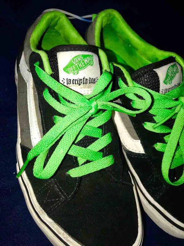 ea2aabee99 Vans - Off The Wall - Omar Hassan La Cripta Dos - Old Schol Skate Shoe  Youth Size 5 for Sale in Minneapolis